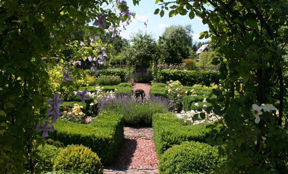 Romantische tuinen for Wat kost een tuinontwerp