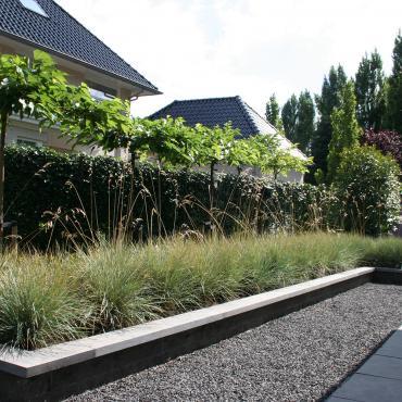 Strakke en kleurrijke tuinen for De eigentijdse tuin